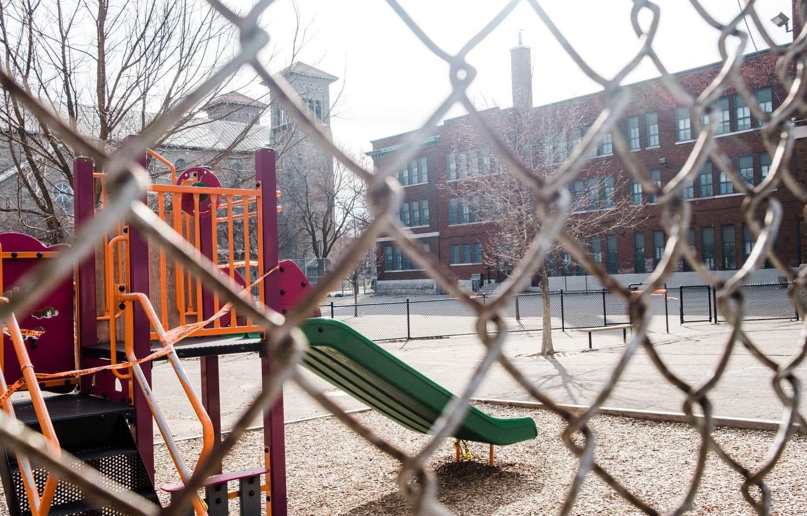 Toute la responsabilité de la logistique de la sécurité des écoles a été remise aux établissements scolaires.