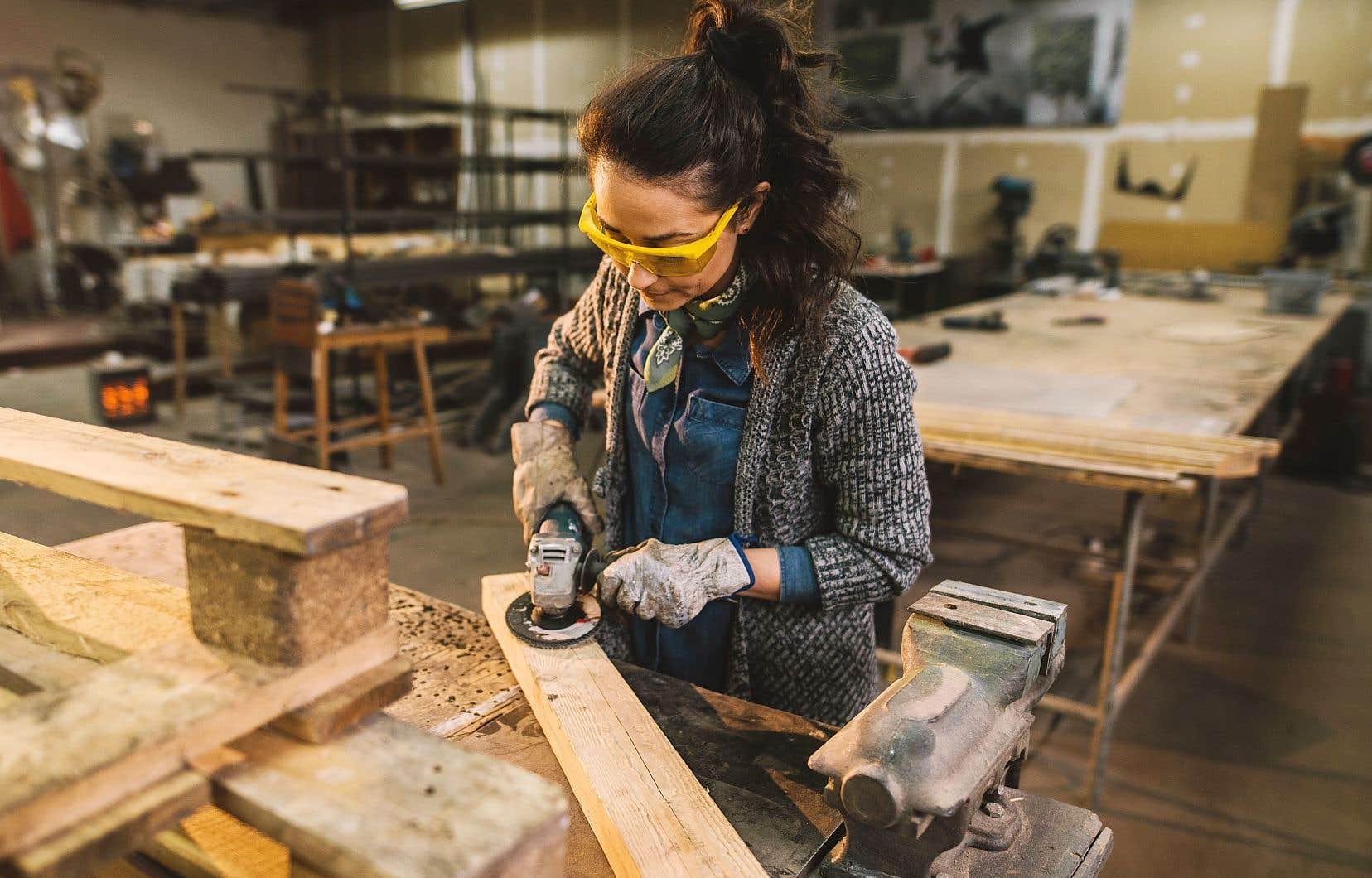 La relance de l'économie québécoise passera par les secteurs de la construction et de la production manufacturière.