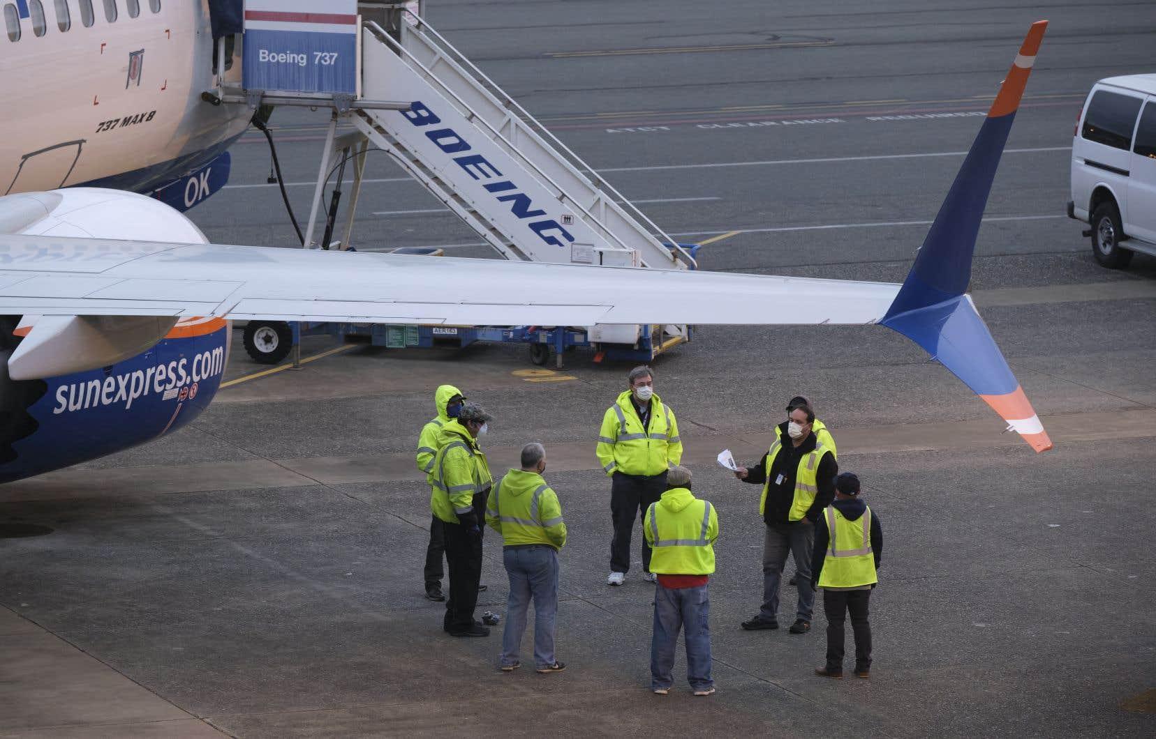 Les suppressions d'emplois se feront via un programme de départs volontaires et des licenciements secs et concernent la division aviation civile.