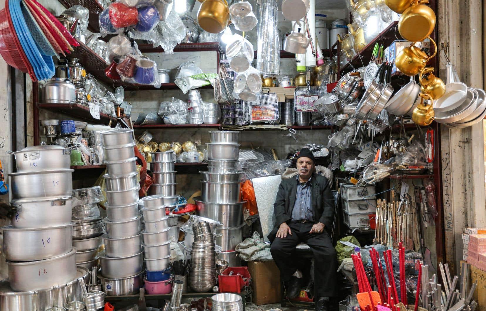 L'Irant a autorisé une réouverture progressive des commerces depuis le 11 avril.