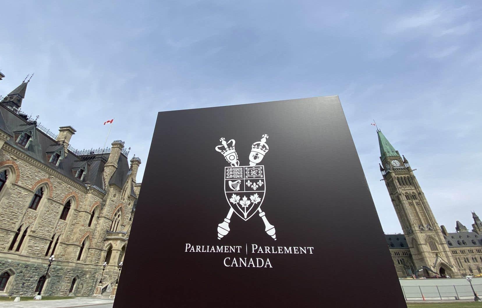 Il faut unanimité des parlementaires pour une adoption le jour même du projet de loi. Or, les élus ne s'entendent pas sur la dernière version proposée par le gouvernement.