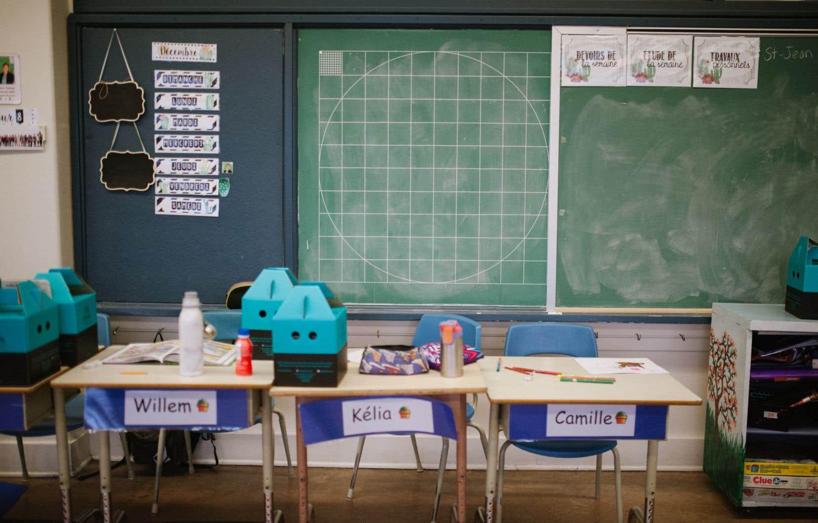 Le ministre Roberge a insisté sur la «subsidiarité» des écoles, qui pourront elles-mêmes décider de quelle façon elles aménageront les classes ou à quels enseignants elles feront appel.
