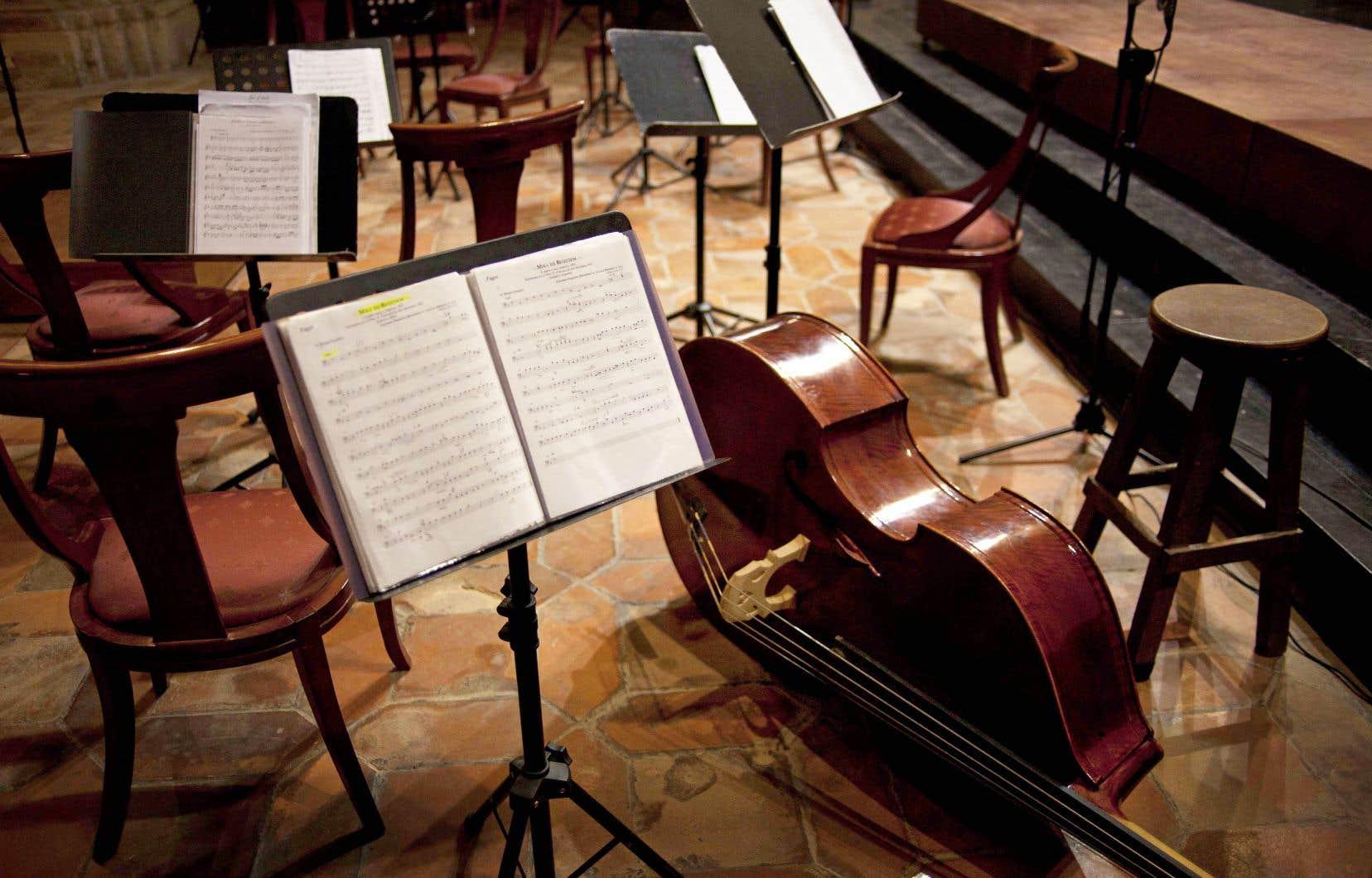 «Il y a une mentalité voulant que la musique des compositeurs vivants ne soit pas essentielle. S'il faut couper dans le gras, on coupera plutôt sur la création que sur l'engagement du soliste à la mode du moment», craint Simon Bertrand, qui pense qu'il faut, au contraire, profiter d'un «
