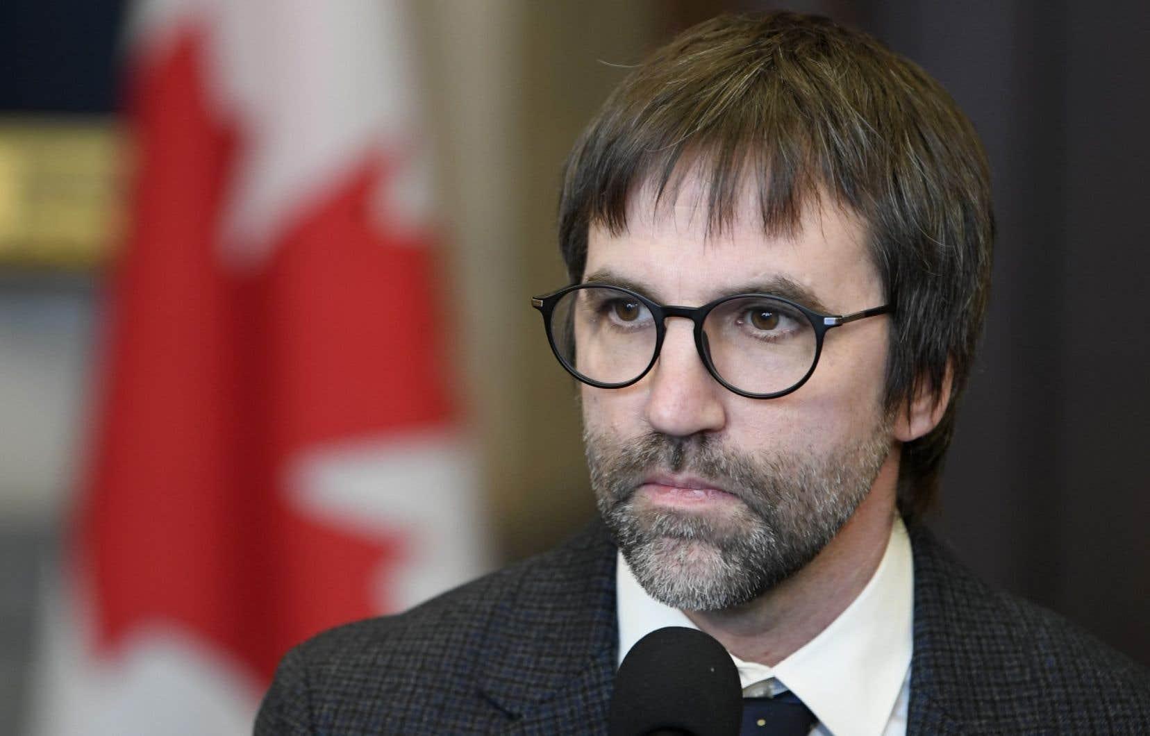 «Il est difficile de voir un retour à la normale avant le début de l'année prochaine, et c'est peut-être ça aussi, un scénario optimiste», a indiqué le ministre du Patrimoine canadien, Steven Guilbeault.