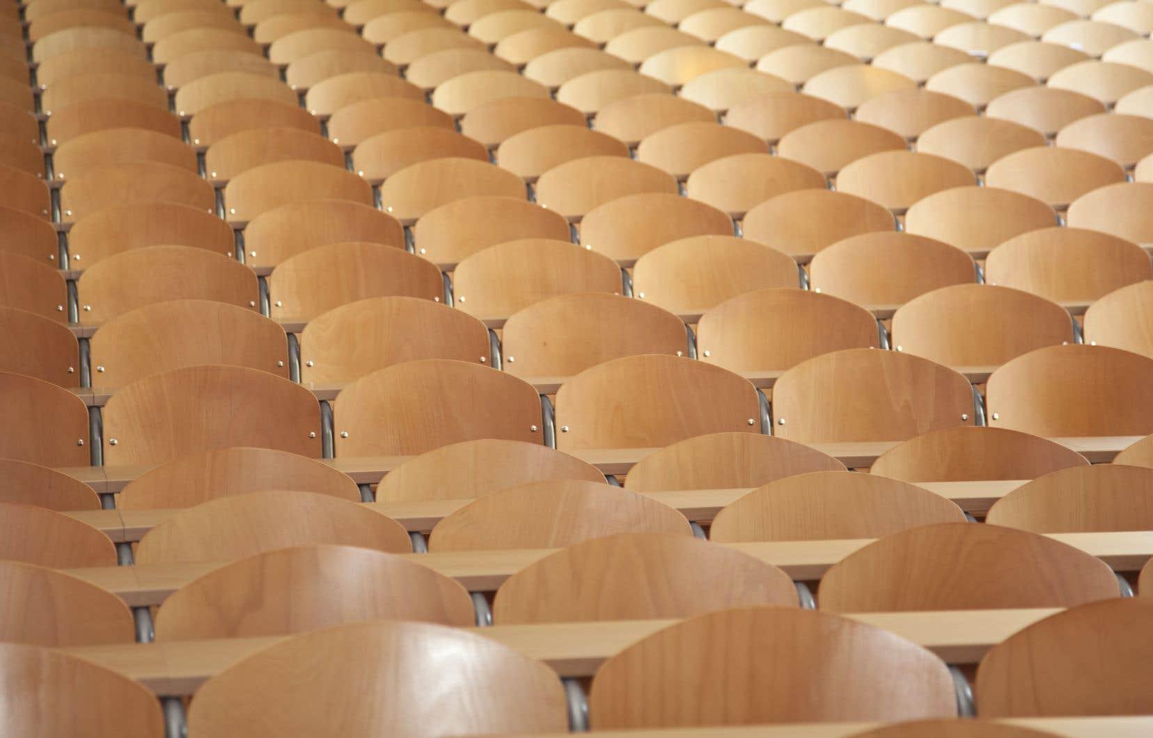 Les bouleversements récents forcent  le milieu de l'éducation, et la société en général, à modifier ses perceptions par rapport à l'enseignement.