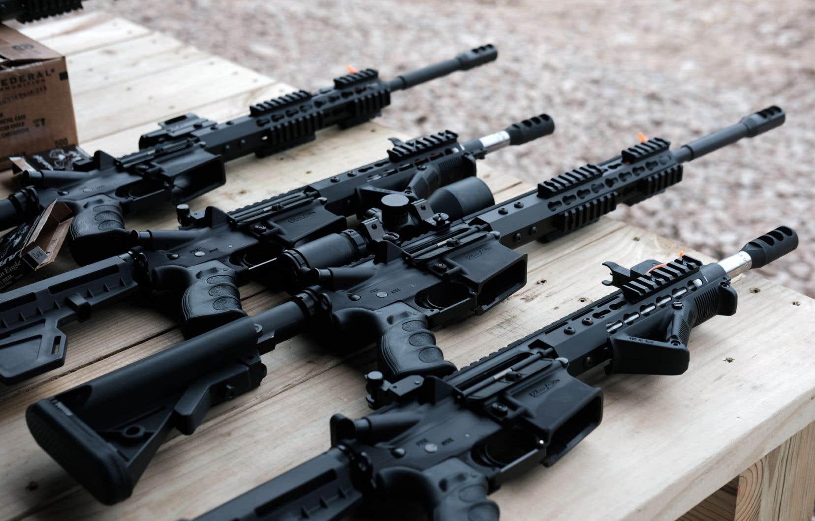 «Le lobby pro-armes à feu affaiblit-il une fois de plus un projet de loi avant même sa mise en place? Ce serait donner encore une fois beaucoup de pouvoir et de crédit à de petites organisations», écrit l'auteur.