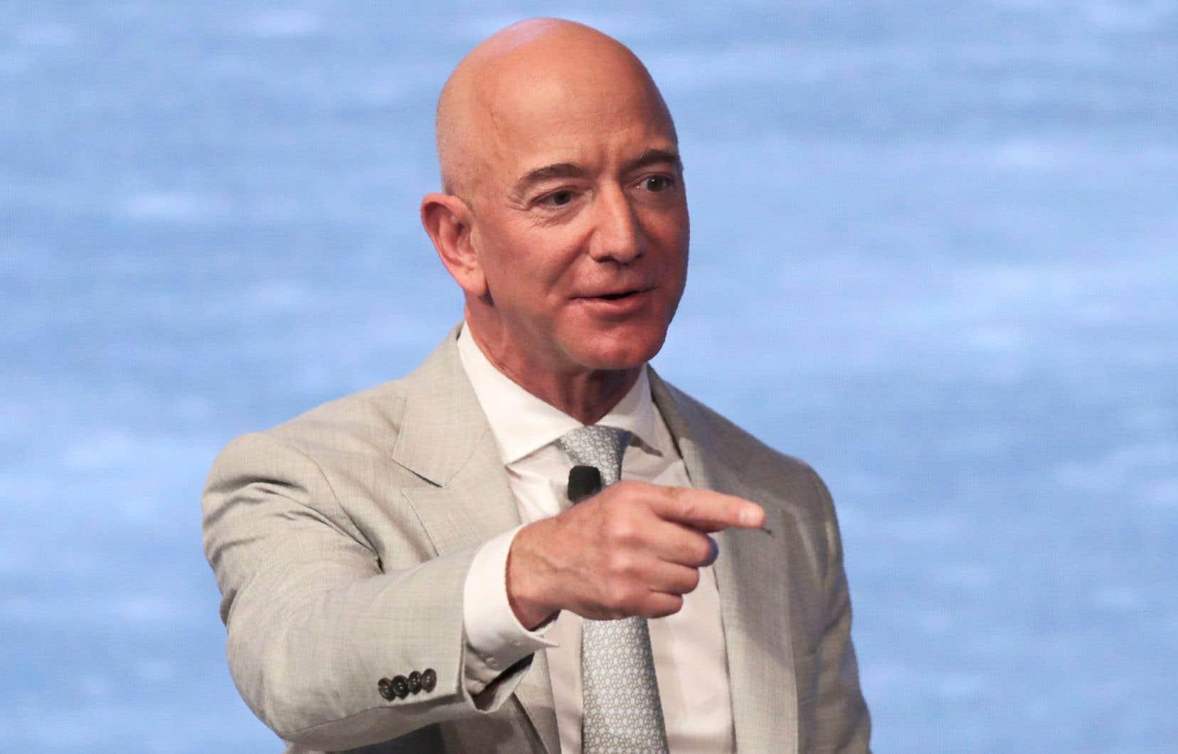 Céline Bessière et Sibylle Gollacanalysent, entre autres, le divorce de l'homme le plus riche du monde, Jeff Bezos.