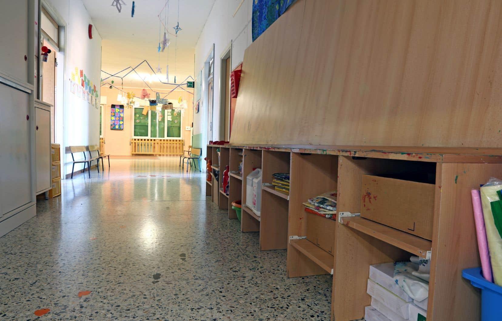Malgré les mesures mises en place, le retour à l'école semble prématuré pour plusieurs parents.