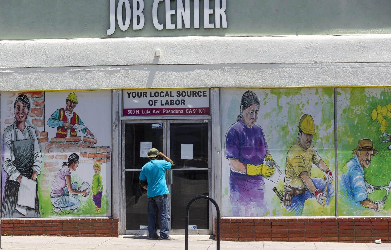 L'économie américaine a détruit 20,5 millions d'emplois au mois d'avril.