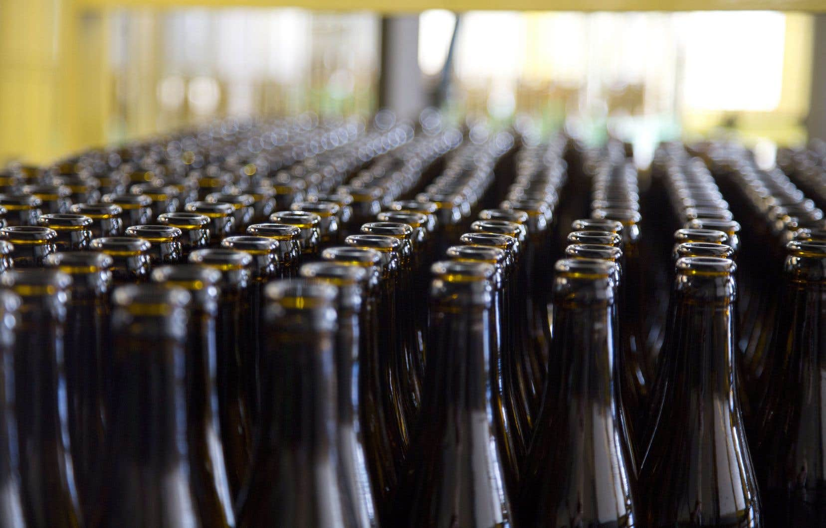 Les brasseurs québécois craignaient de devoir ralentir leur production en raison du manque de bouteilles.