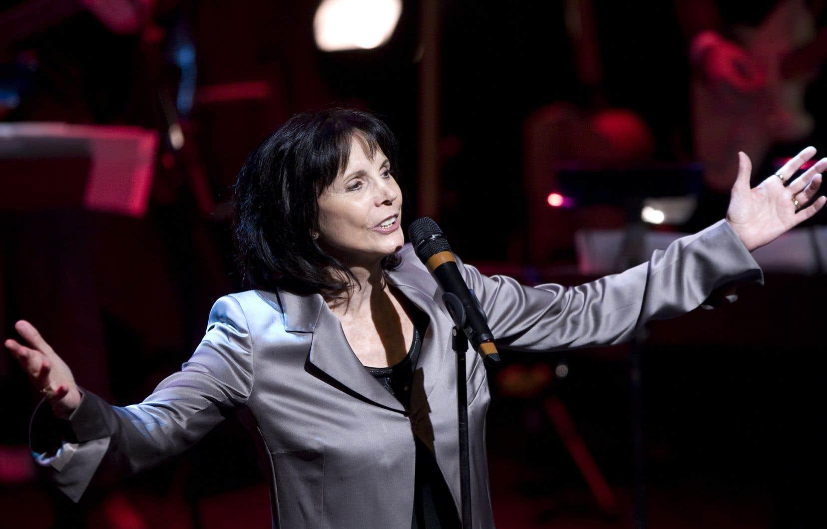 La chanteuse Renée Claude lors d'un spectacle au Metropolis à Montréal en novembre 2010