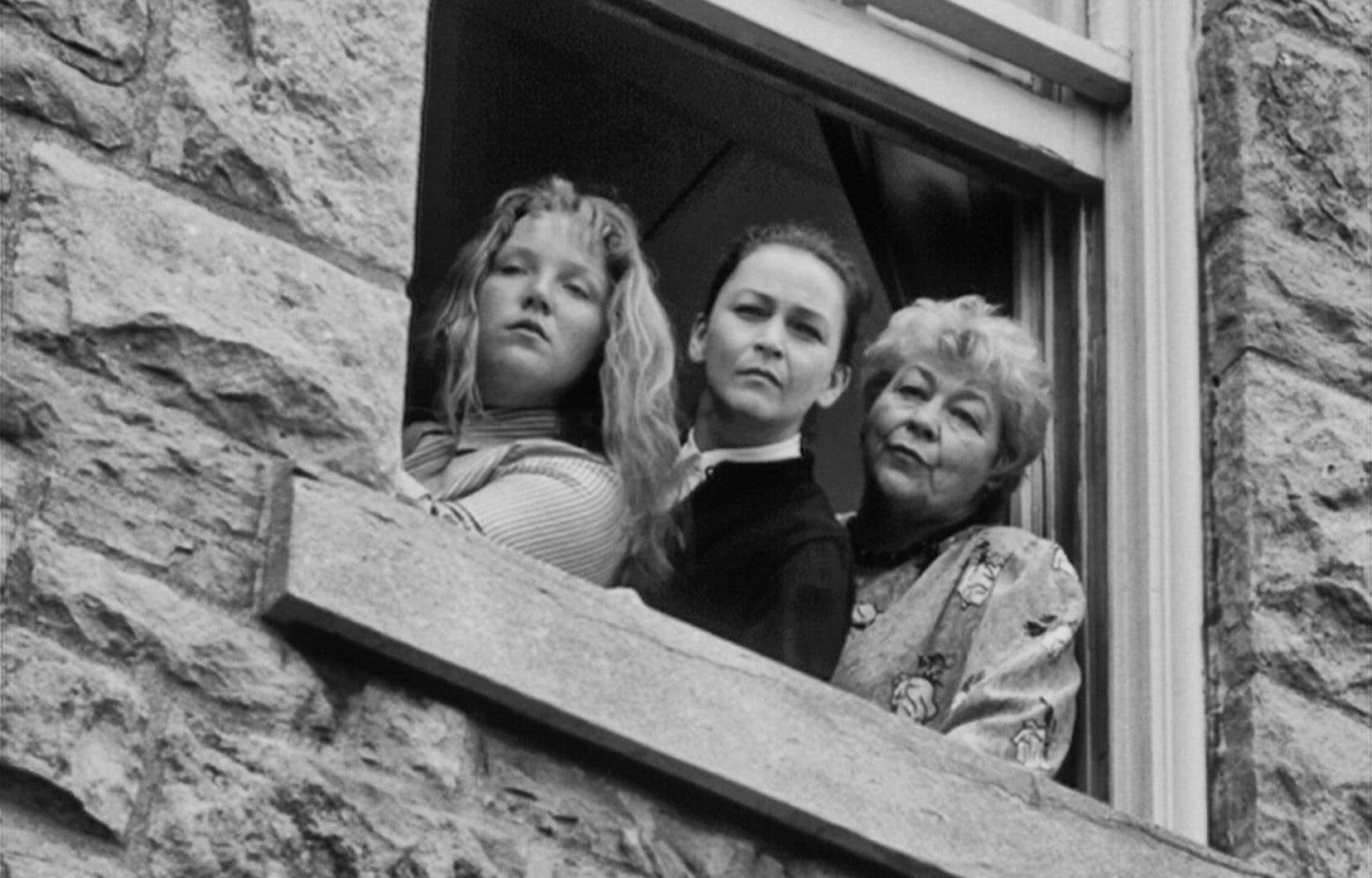 Le récit des «Fantômes des trois Madeleine» comporte trois héroïnes, avec des hommes en périphérie plutôt qu'au centre en un renversement de ce que l'on voyait la majorité du temps.