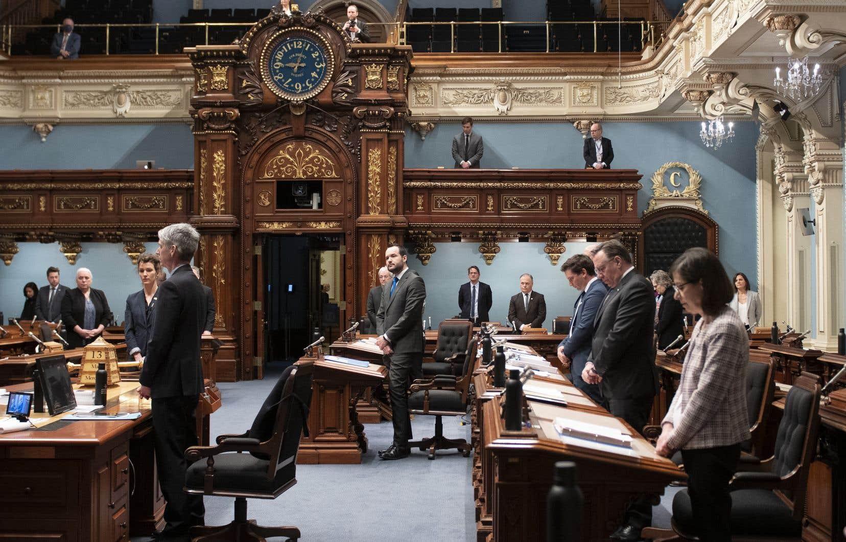 <p>Ce matin a eu lieu la première période de questions et de réponses orales à l'Assemblée nationale depuis le début de l'état d'urgence sanitaire.</p>