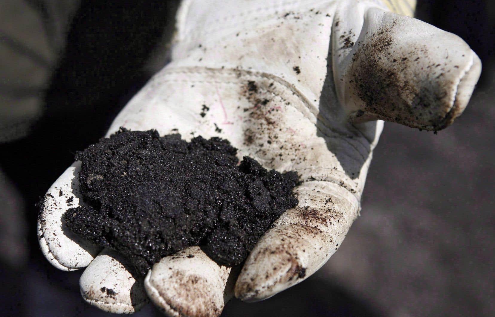 Quatre producteurs pétroliers canadiens sont exclus de fonds d'investissement en Norvège en raison de leurs émissions importantes de gaz à effet de serre.