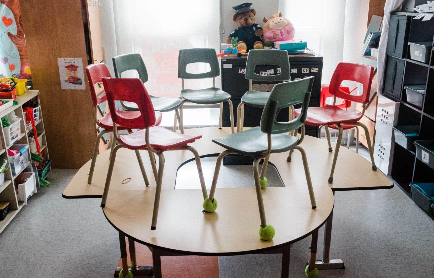 Une période sera dédiée à rattraper le retard en septembre prochain, a précisé jeudi François Legault, tout en promettant de bonifier le matériel scolaire transmis aux parents d'ici là pour que les enfants puissent continuer leurs apprentissages à la maison.