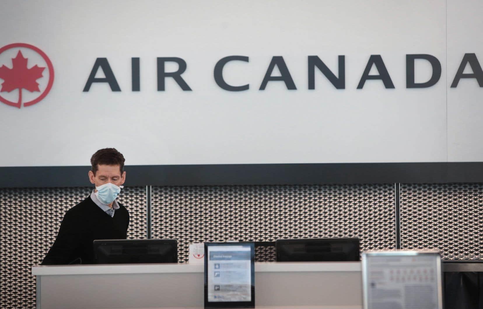 La compagnie basée à Montréal dépense d'importantes sommes d'argent depuis la mi-mars alors qu'elle s'attend à avoir encore moins de passagers entre avril et juin.
