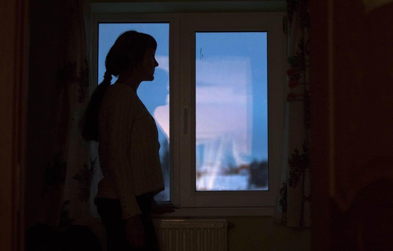 Le nombre de plaintes pour violence conjugale a diminué et, pourtant, les maisons d'hébergement reçoivent plus d'appels qu'en temps normal.