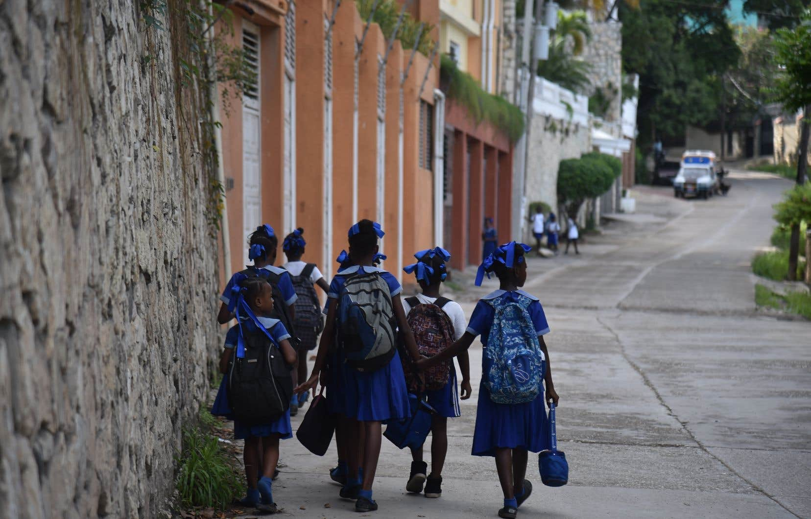 L'école implique une réalité très différente selon le pays où elle se trouve. Par exemple, sais-tu dans quelle partie du monde se trouve plus de la moitié des enfants qui ne vont pas à l'école?