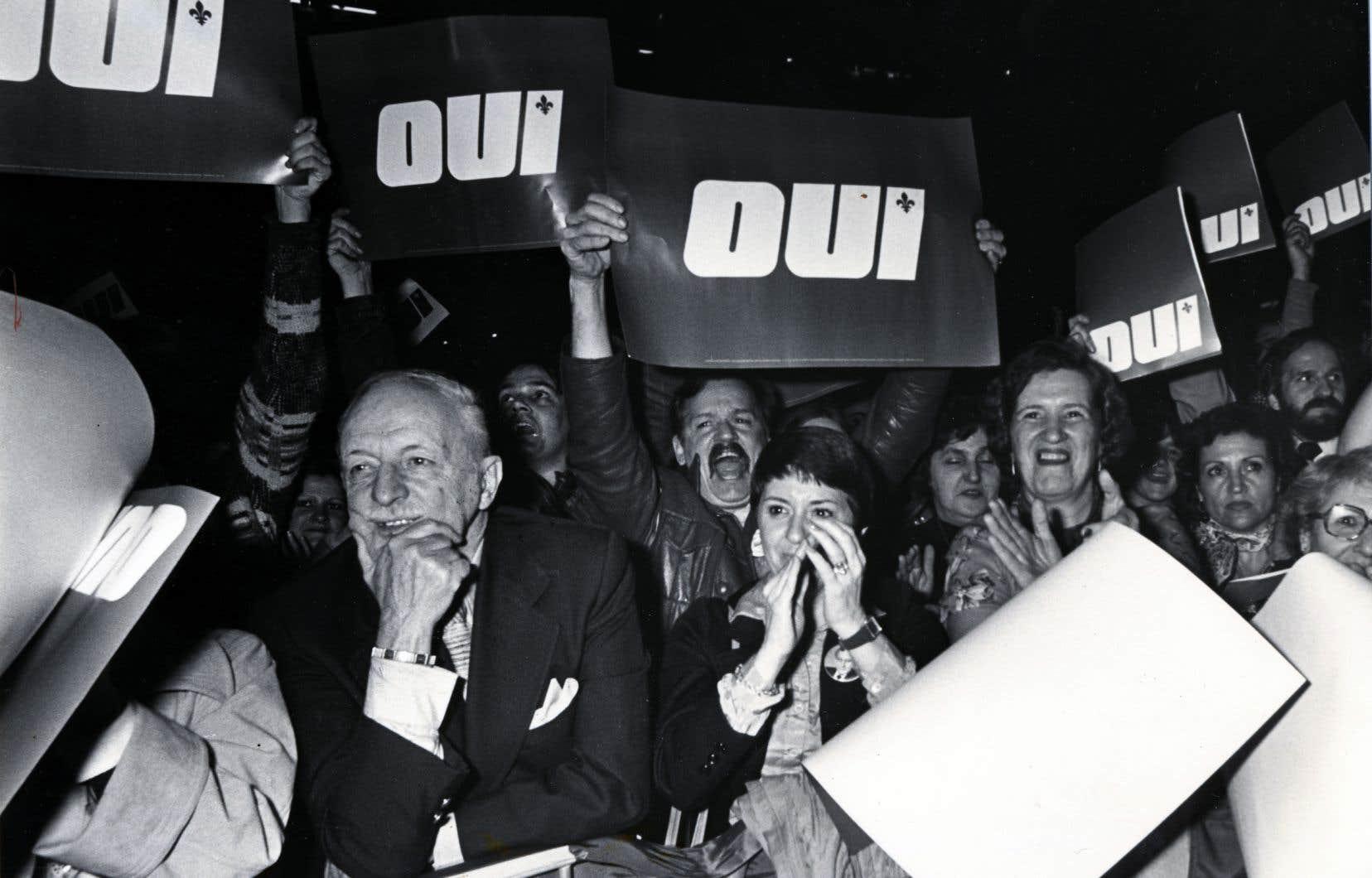 «Le Parti québécois, un parti avant tout formé d'idéalistes compétents, fut donc victime des succès de ses réformes qu'il a pu réaliser dans le cadre fédéral, un régime suffisamment souple permettant de nombreuses avancées sociales et économiques, et ce, sans fracture politique», écrit l'auteur.