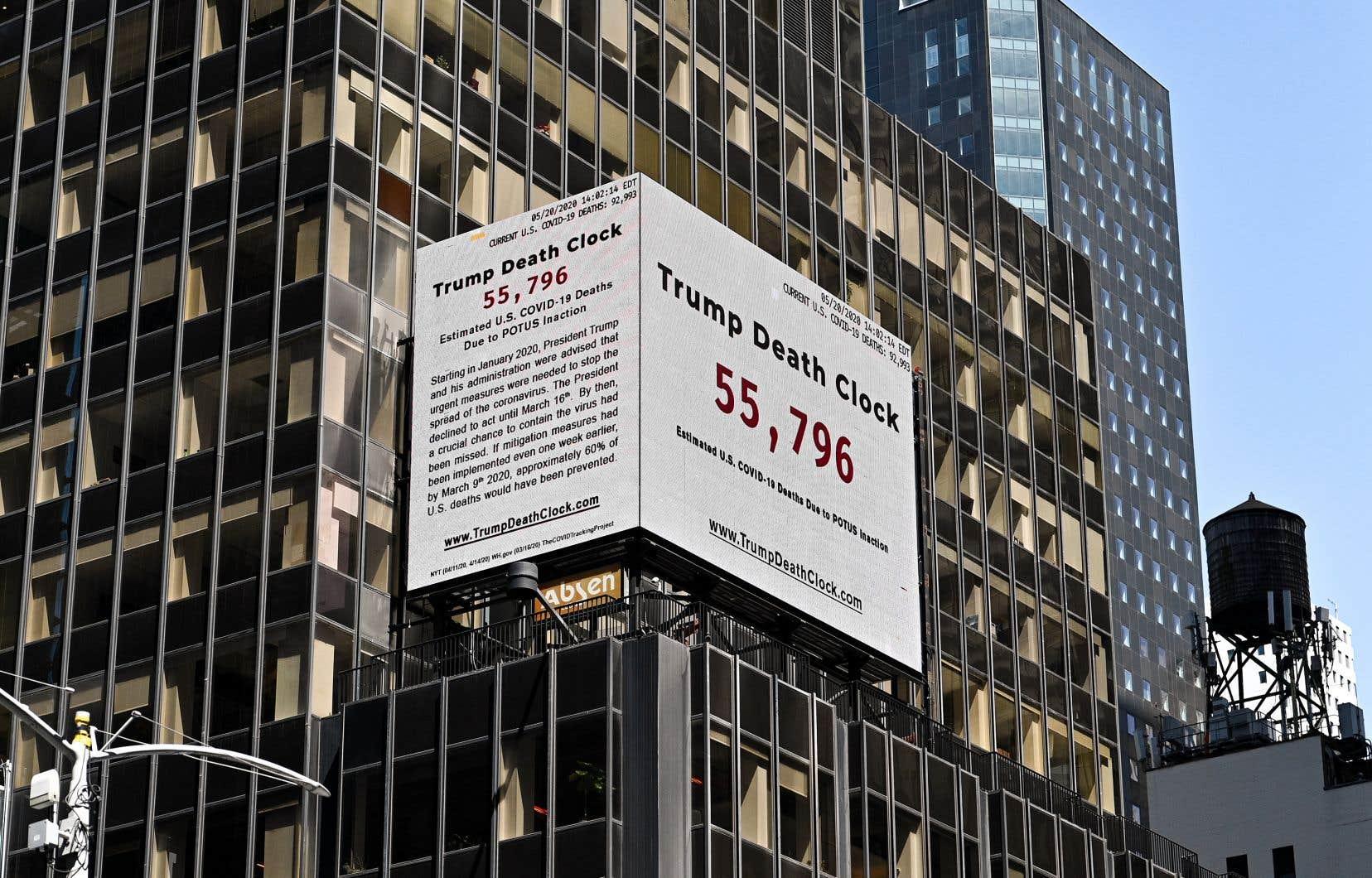 L'horloge de la mort, installée il y a 10 jours sur Times Square par Eugene Jarecki affiche des chiffres supérieurs à ceux des chercheurs de Columbia.