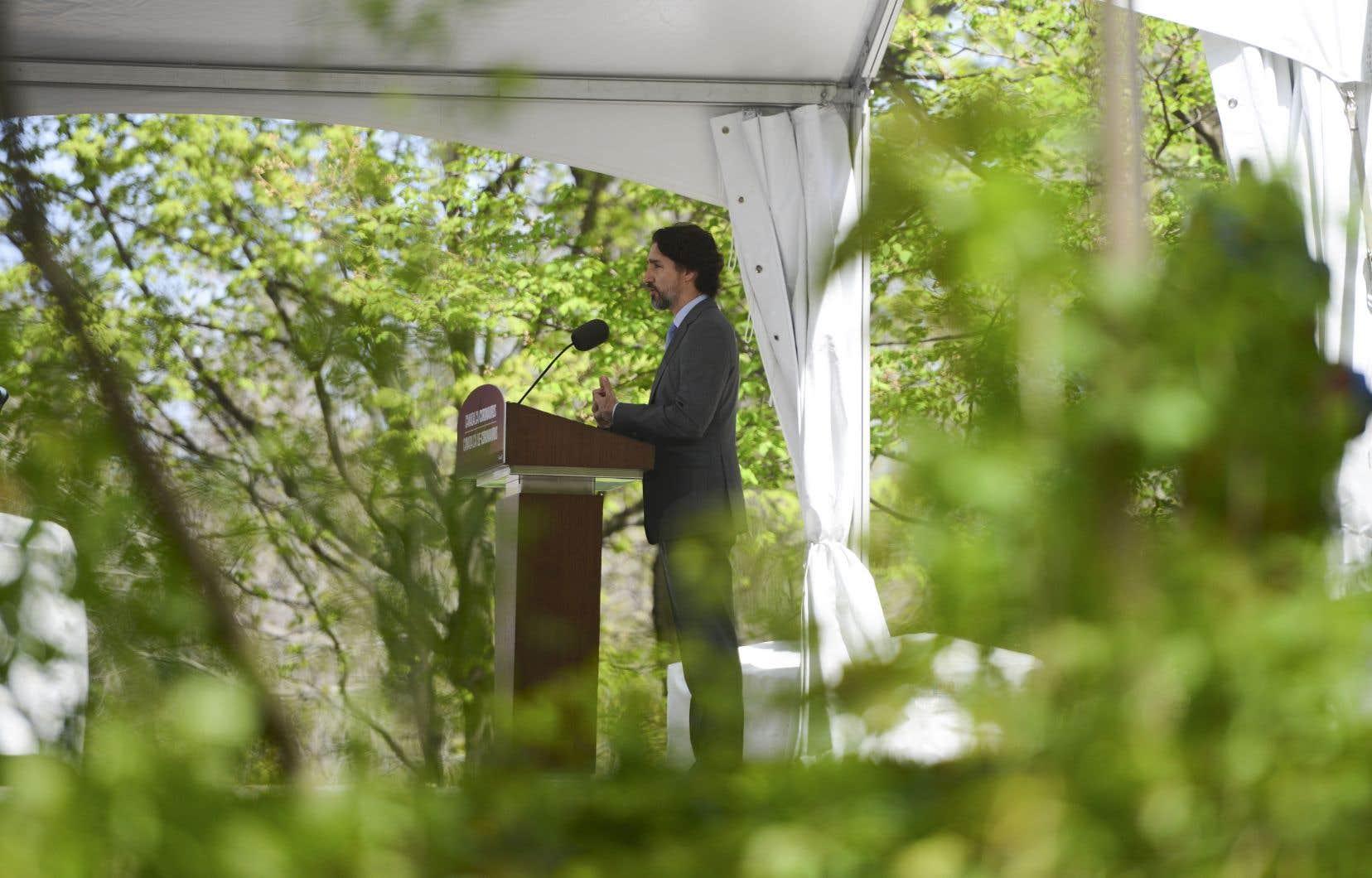 Le premier ministre Trudeau indiqué qu'en matière de traçage, il faudra «faire en sorte que les données recueillies par les provinces et les territoires soient partagées à l'échelle du pays».