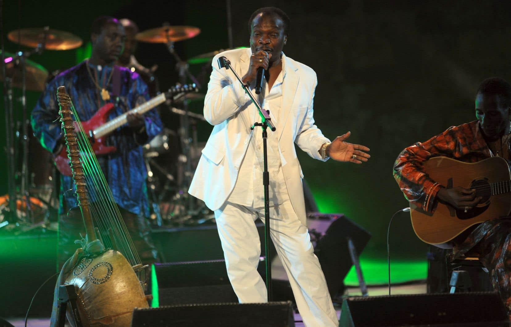 Mory Kanté, surnommé le «griot électrique», a contribué à populariser la musique africaine et guinéenne à travers le monde.