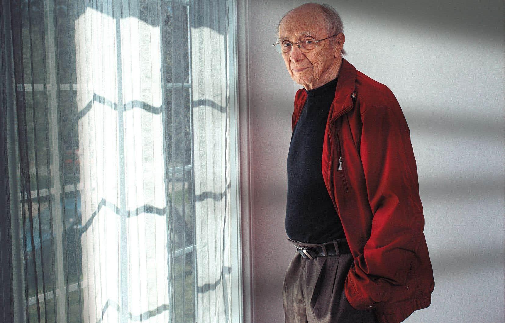 Réalisateur, producteur, scénariste et directeur de la photographie, Fernand Dansereau a une carrière qui s'étend sur plus de 60 ans, au cinéma et à la télévision. Il a notamment reçu le prix Albert-Tessier en 2005. Le cinéaste était aussi responsable de la production française à l'Office national du film dans les années 1960.