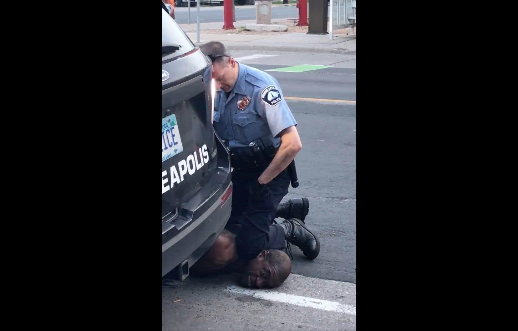 L'arrestation musclée de Georges Floyd, lundi, a été filmée par une passante.