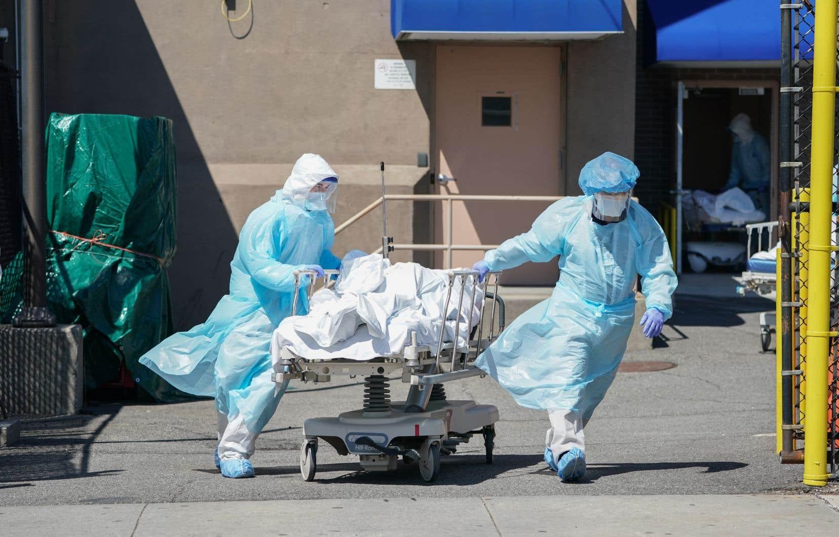 Le nombre réel des décès et des contaminations de la COVID-19 est probablement nettement plus élevé que les bilans officiels aux États-Unis, selon les experts.