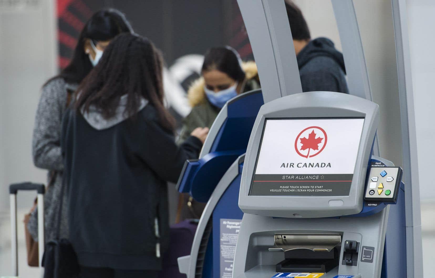 Ensemble, Air Canada et Air Transat ont 3,409milliards de dollarrs«en argent sonnant» dans leurs coffres.