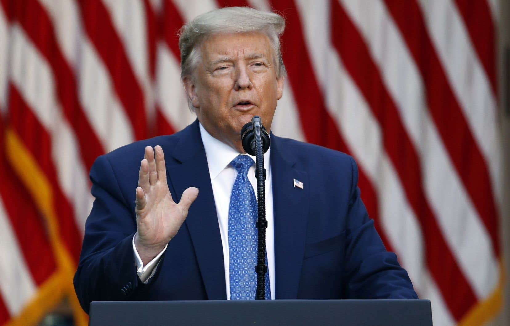 Le président des États-Unis, Donald Trump,a notamment annoncé d'un ton martial le déploiement de «milliers de soldats lourdement armés» et policiers à Washington pour mettre un terme «aux émeutes»et «aux pillages».