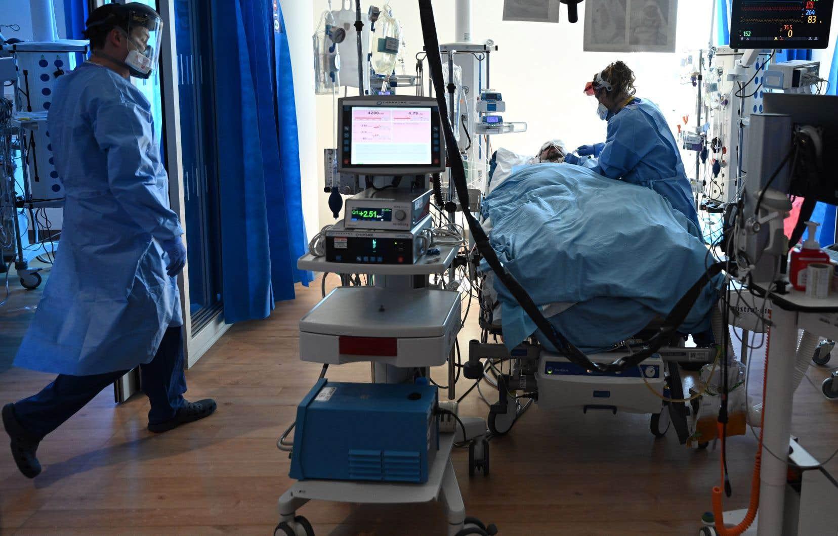 Le Royaume-Uni est le pays le plus endeuillé du monde par la pandémie après les États-Unis.