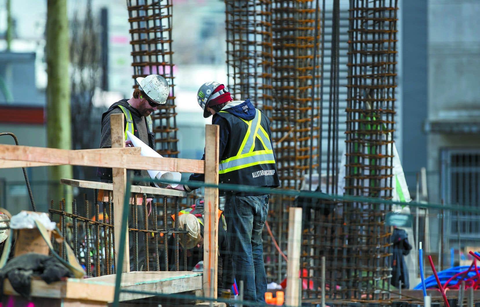 Québec veut accélérer la prise de décision pour réaliser notamment les projets d'infrastructures.