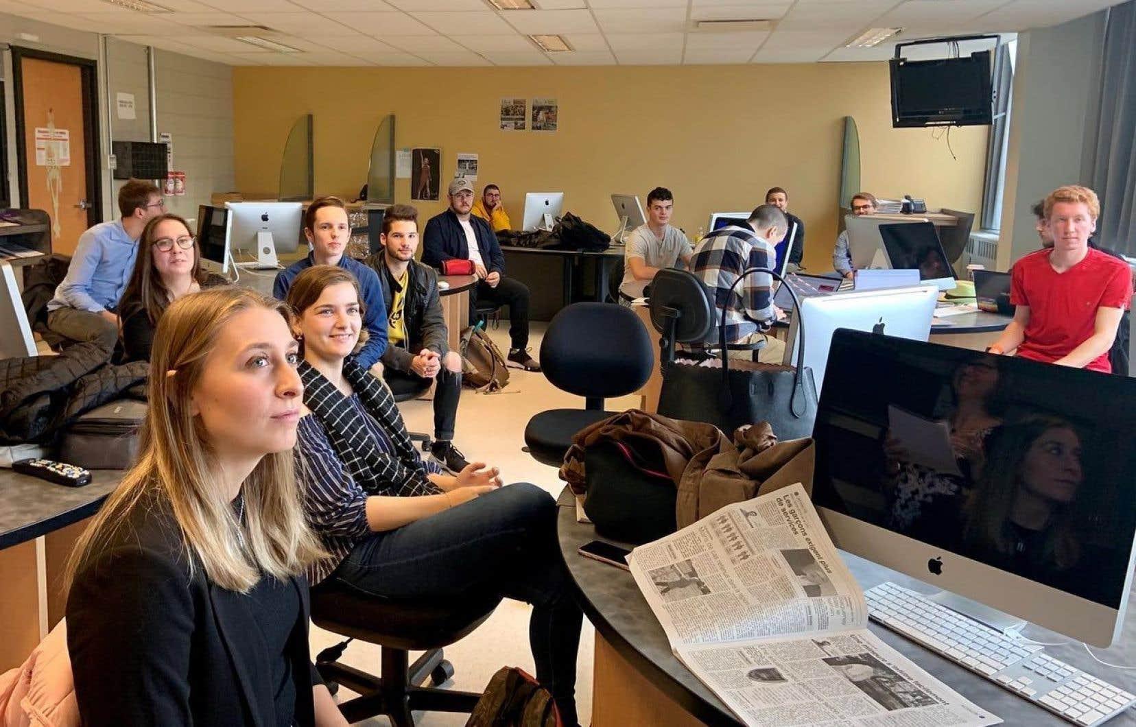 La cohorte d'étudiants en journalisme du cégep de Jonquière au début de la session