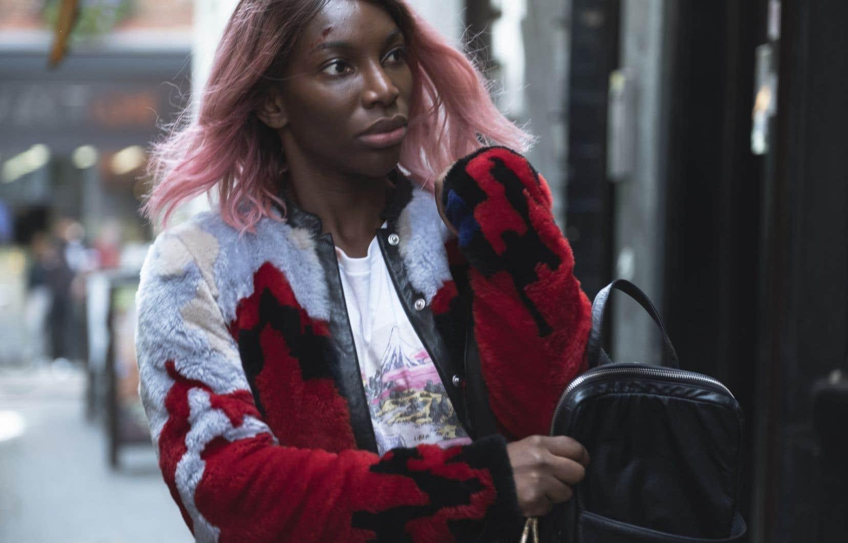 «I May Destroy You» est scénarisé, produit et coréalisé par Michaela Coel, qui tient aussi le rôle principal. Poète, chanteuse, dramaturge, l'artiste née à Londres a remporté en 2016 deux prix BAFTA pour sa série comique «Chewing Gum».