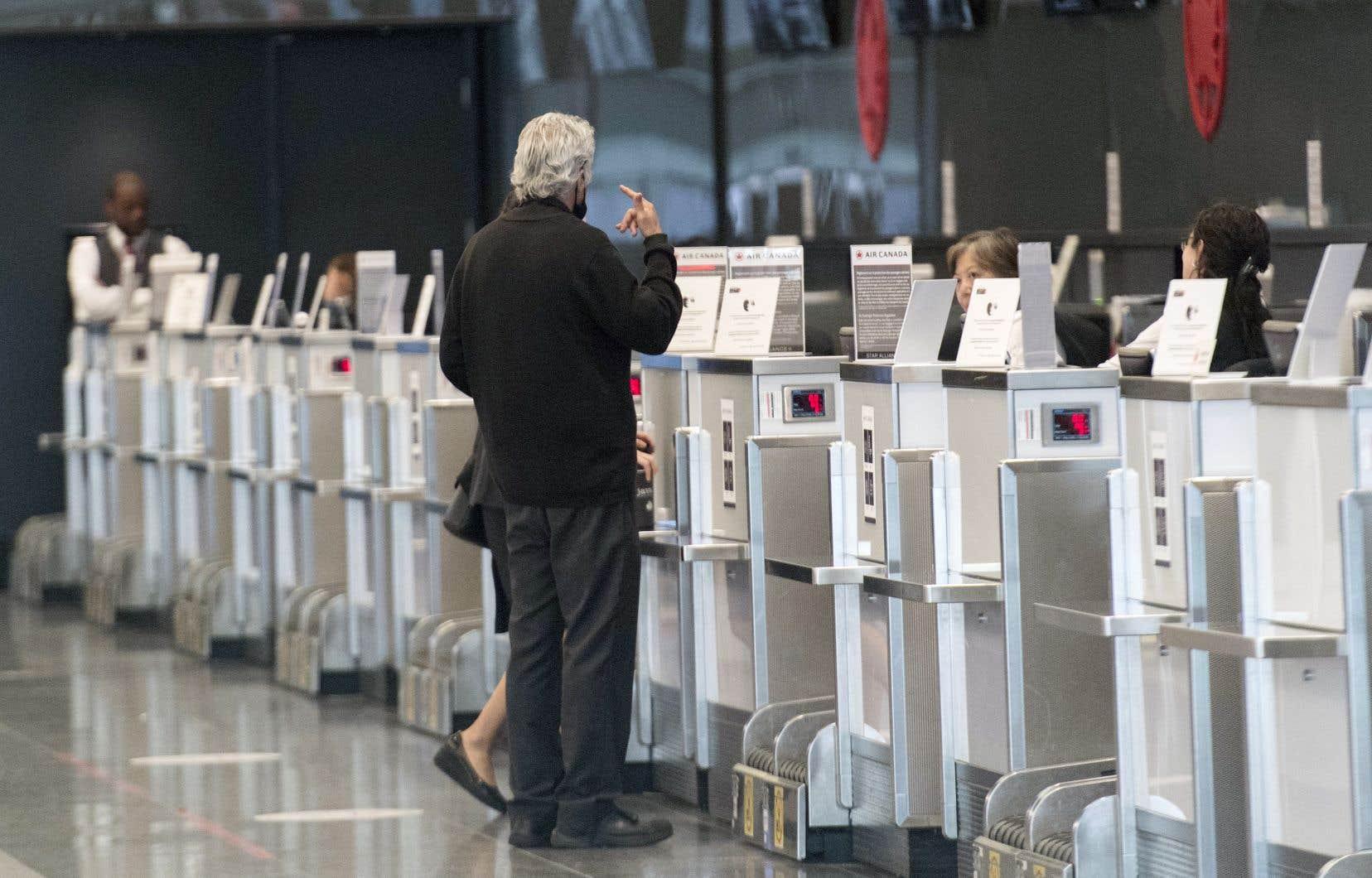 Air Canada a assoupli sa politique d'annulation et offre des bons sans date d'expiration, comparativement à la limite précédente de 24 mois.