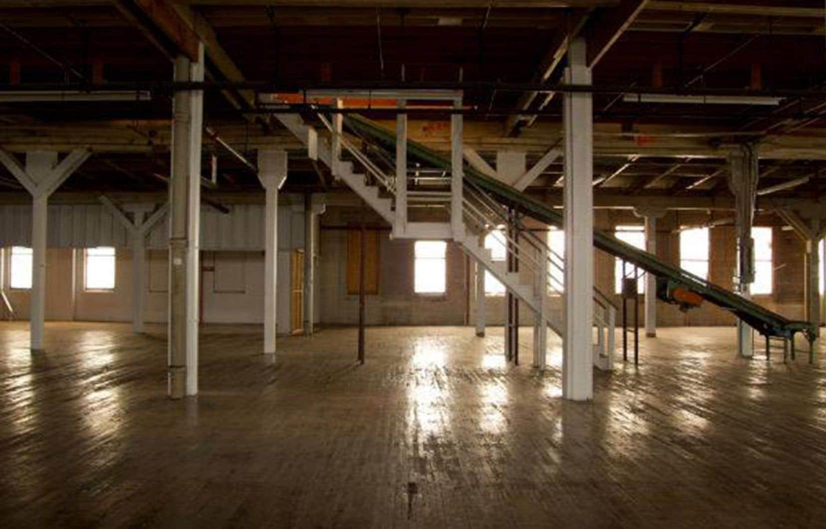 La Ville de Montréal essuie toujours des reproches pour avoir acheté et détruit le bâtiment.