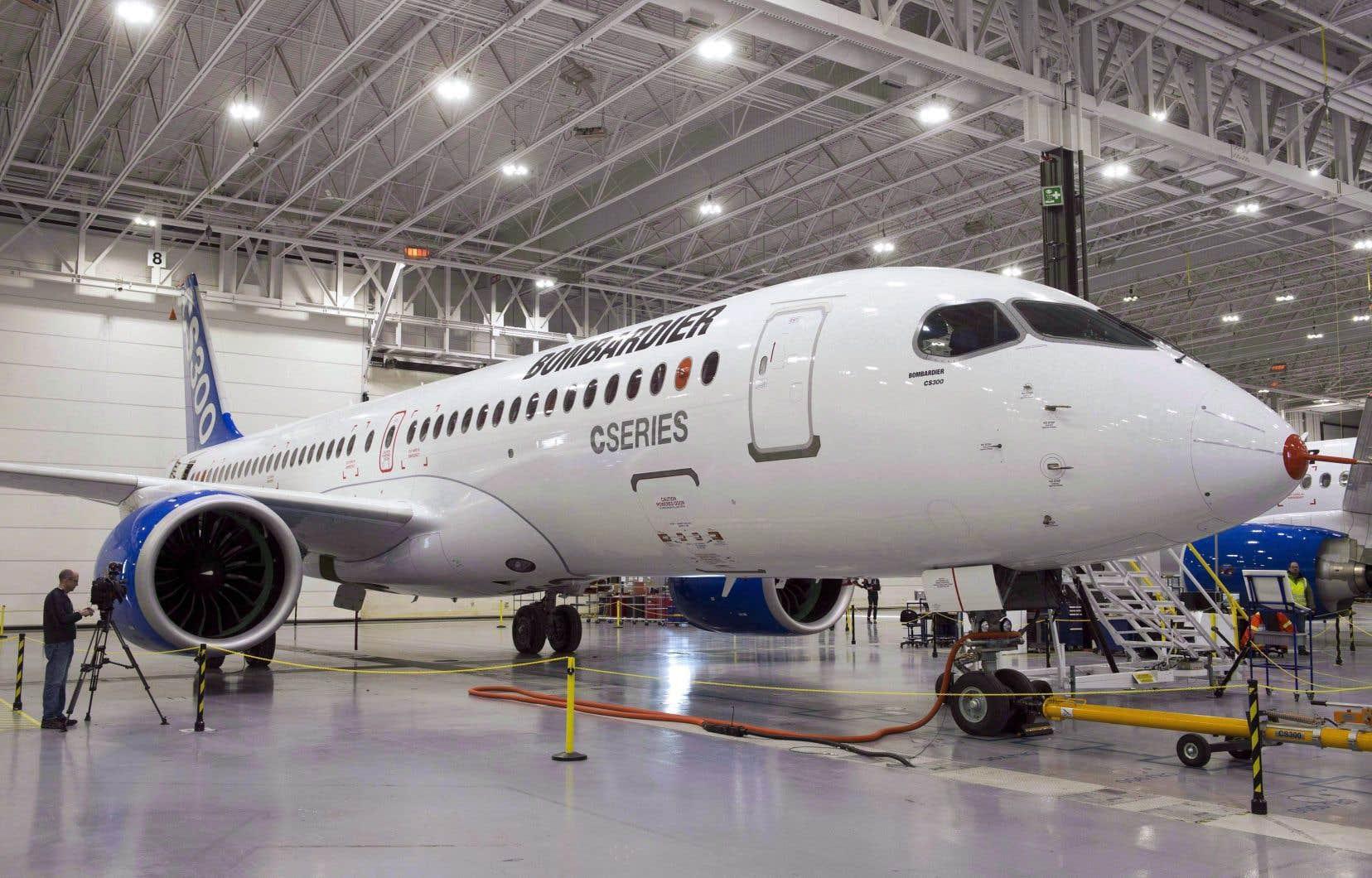 <p>Bombardier Aviation prévoit une baisse des livraisons d'avions d'affaires dans l'ensemble de l'industrie d'environ 30% sur 12 mois en raison de la pandémie.</p>