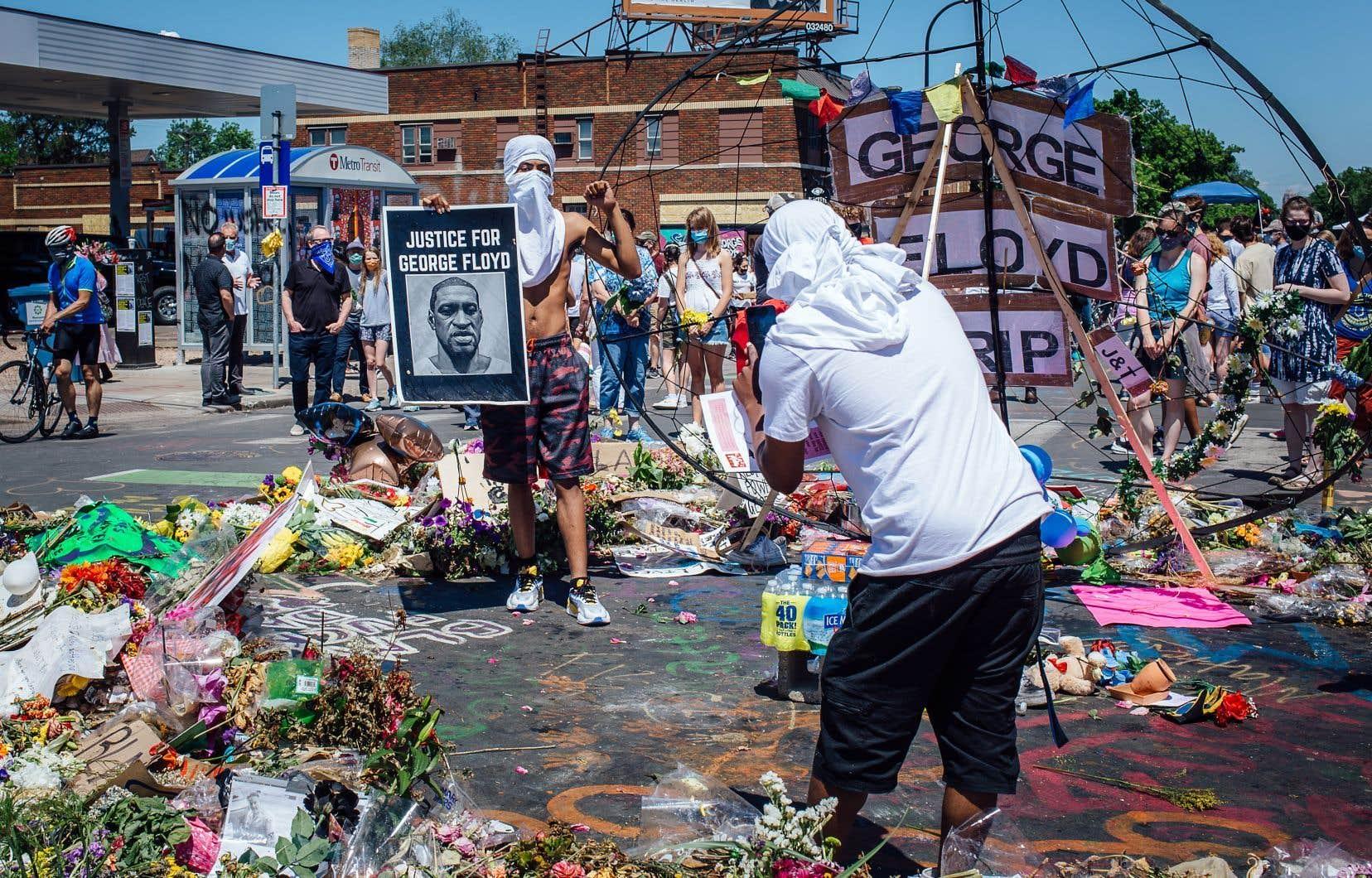 Une mort qui semble accélérer la prise de conscience du privilège d'être blanc.