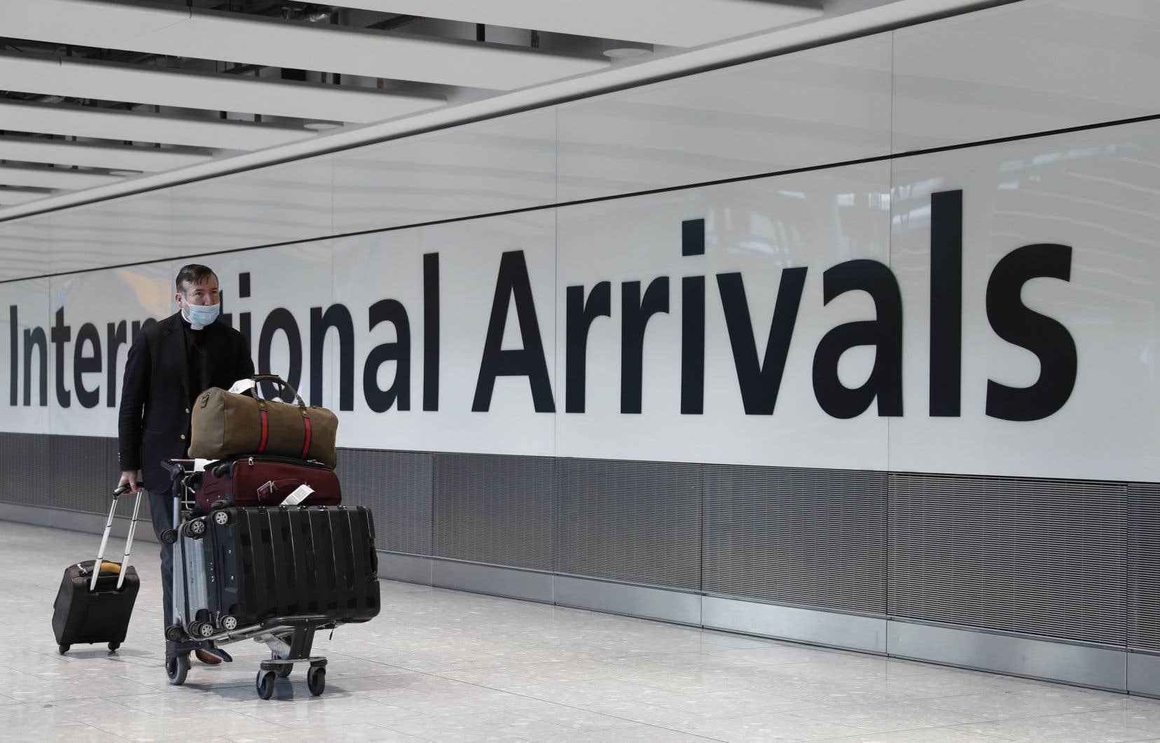 Une quarantaine de deux semaines sera imposée à toute personne arrivant de l'étranger.