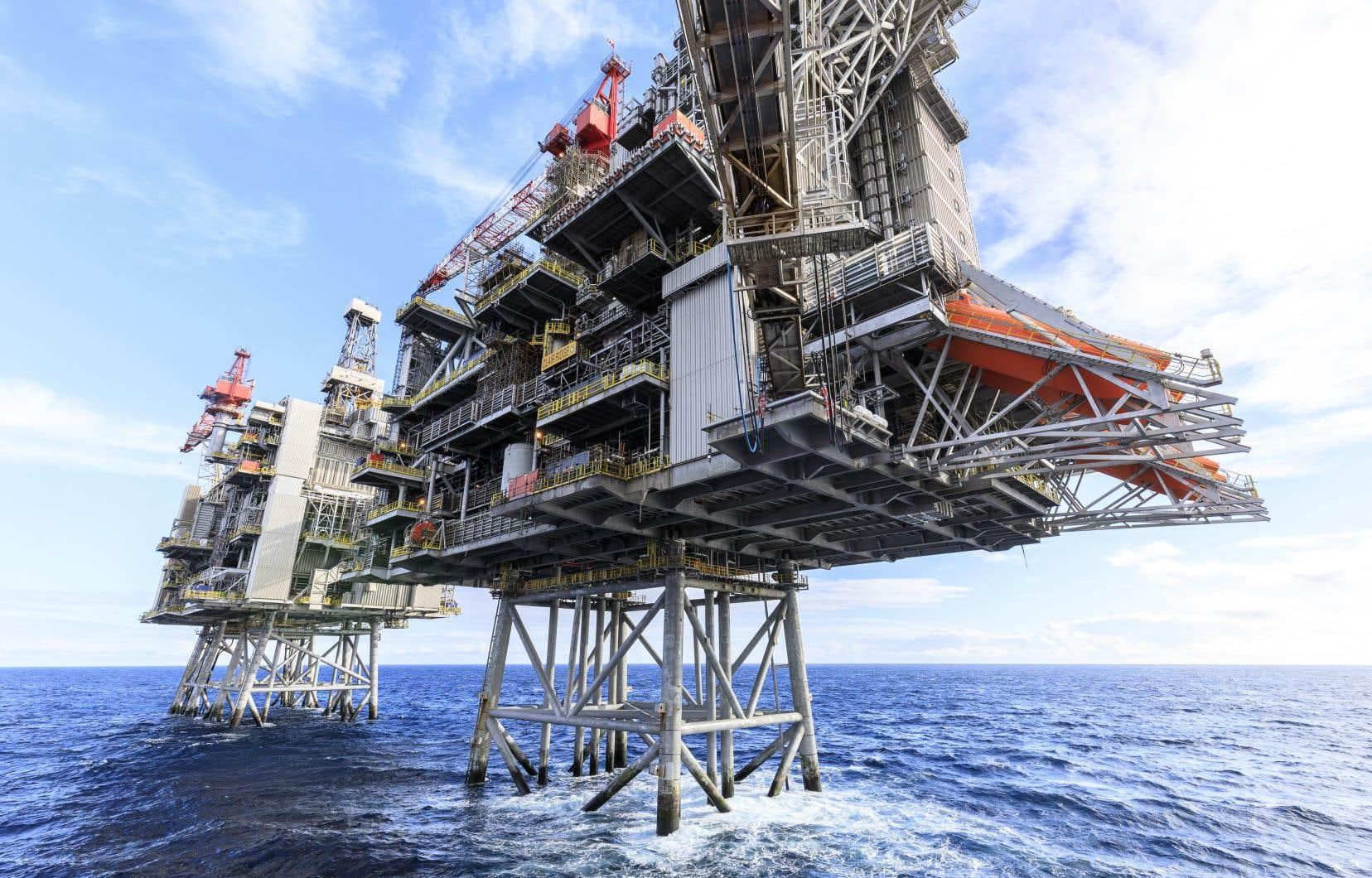 Les cours du pétrole ont plongé depuis mars bien en dessous du seuil de rentabilité de BP, à cause d'une demande marquée par l'arrêt de l'activité pendant les confinements.