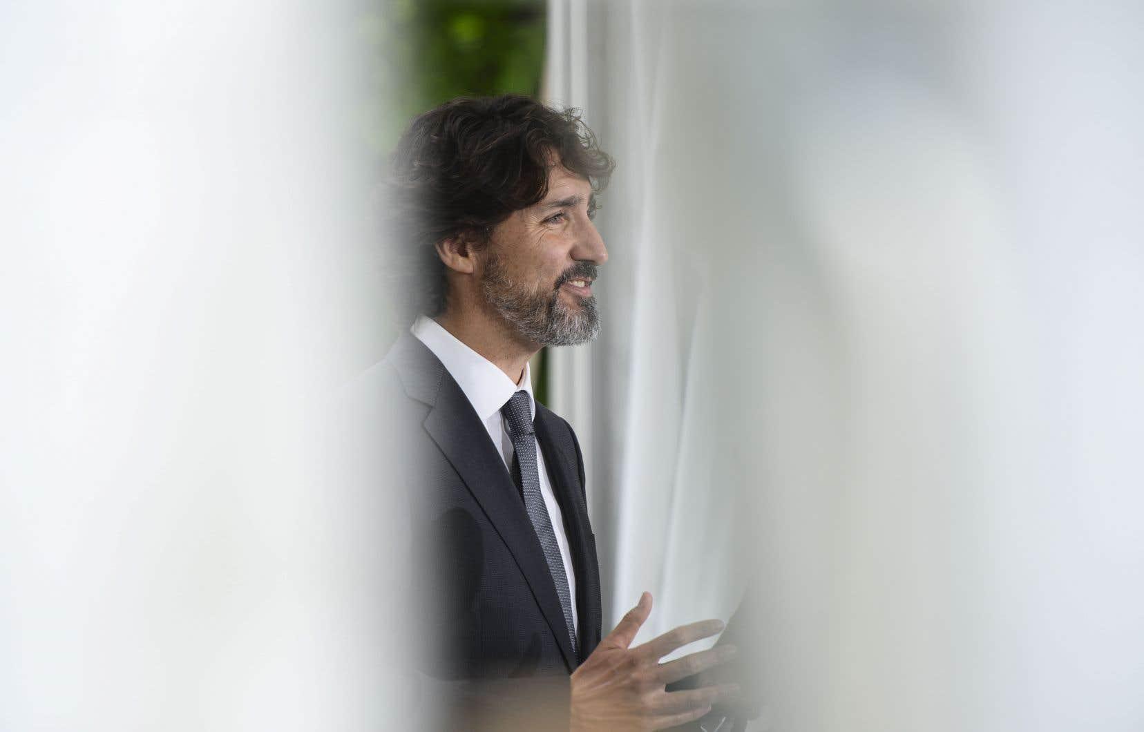Justin Trudeau a promis aux provinces une somme de 14milliards de dollars devant servir à «relancer le pays de manière sûre et sensée».