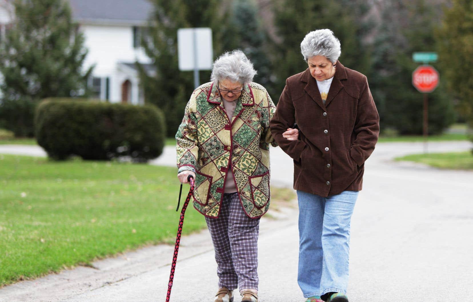 Le projet de loi propose une définition de la «personne proche aidante».