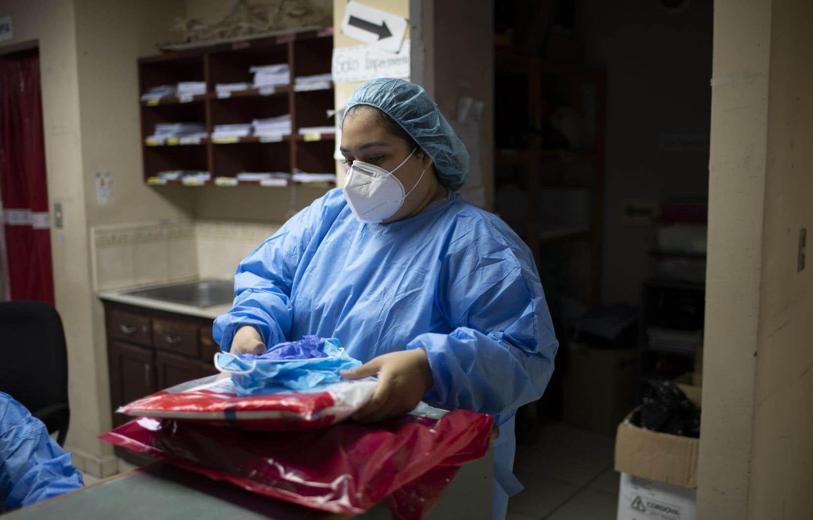 Les travailleuses de la santé ont été privées de congés et de vacances, se sont fait imposer de longues heures supplémentaires et rabrouer quand elles s'absentaient.