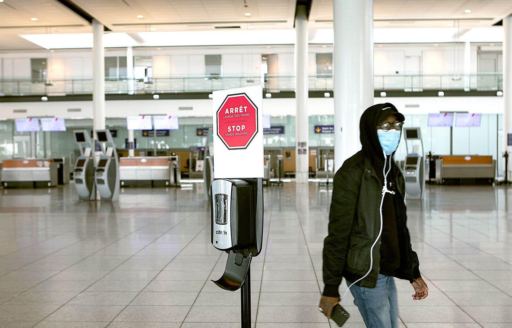 Les voyages en avion, déjà souvent un casse-tête, devraient comporter encore plus d'inconvénients.