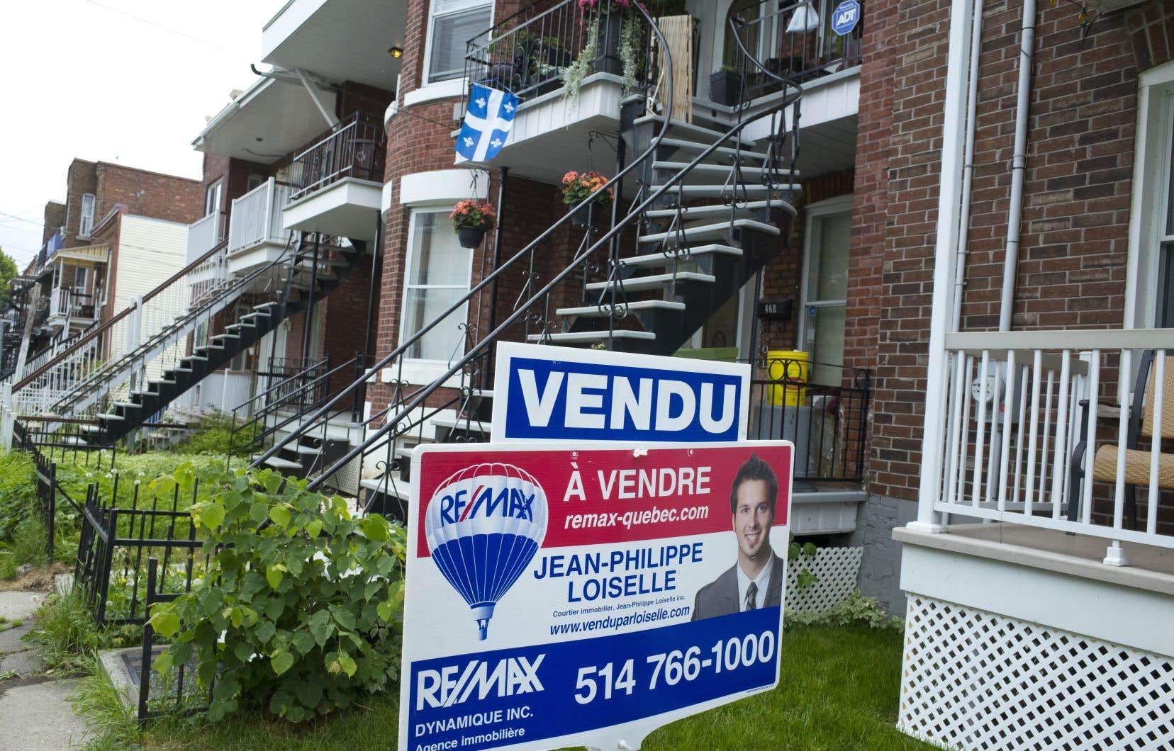 En excluant la grande région de Vancouver et celle de Toronto, le prix moyen d'une habitation était d'environ 401000$.