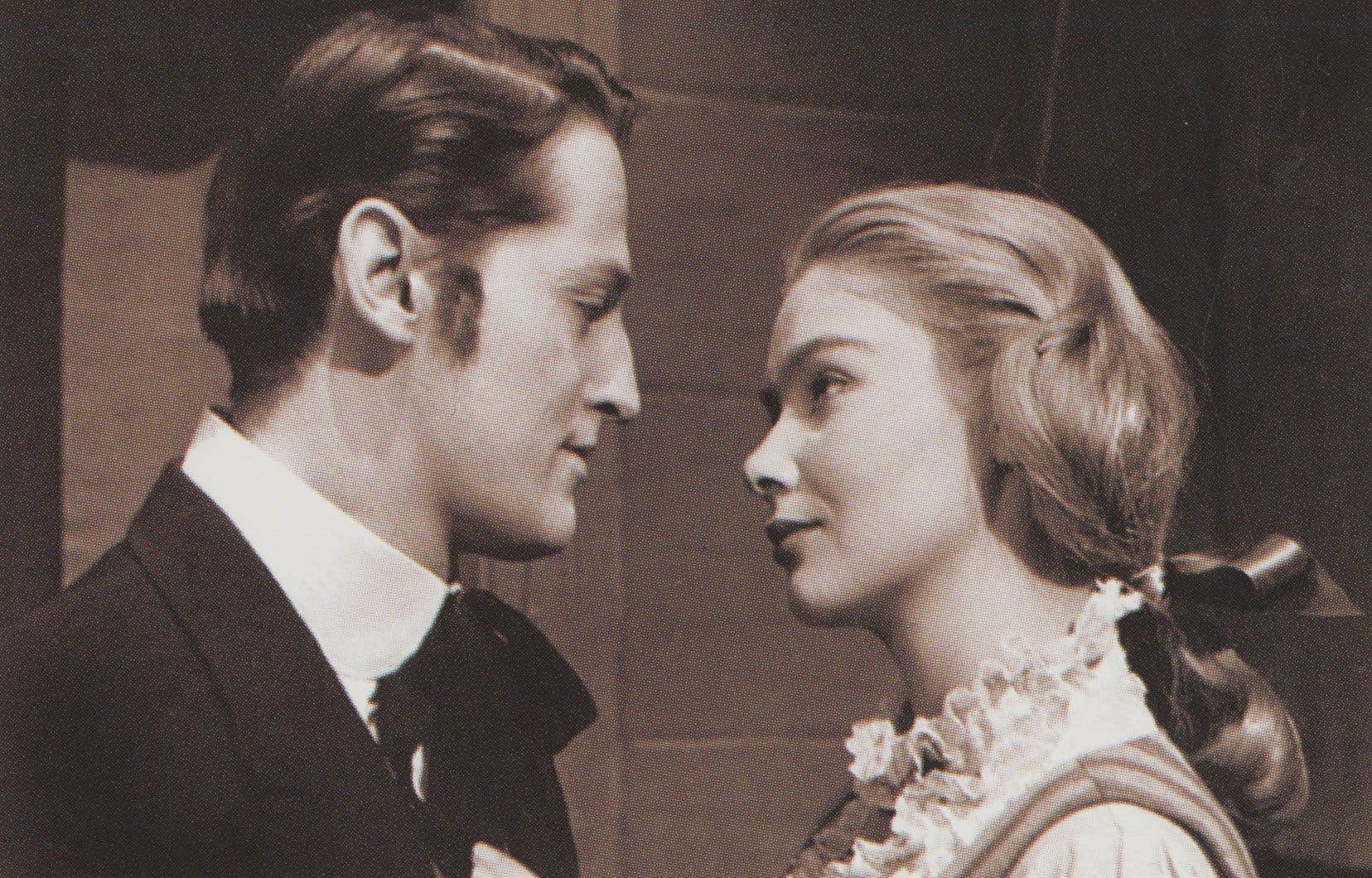 Jean Brousseau tint le rôle du docteur Jérôme dans la très populaire série «Les belles histoires des pays d'en haut»<i>, </i>amoureux malheureux de la belle Donalda, dont l'interprète, Andrée Champagne, est décédée au début du mois<i>.</i>