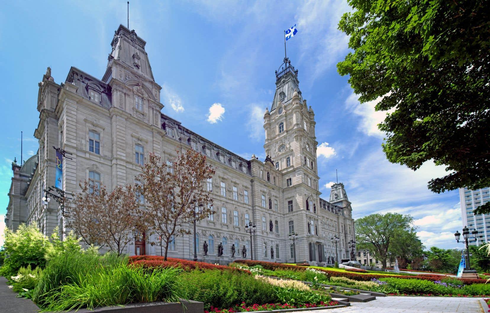 La mise à jour économique présentée par Québec vendredi a suscité des réactions allant de l'optimisme à la prudence.