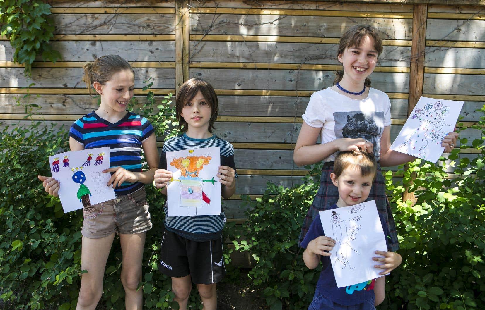Florence, 9 ans, Arnaud, 8 ans, Jeanne, 12 ans, et Romain, 4 ans: les quatre frères et sœurs doivent imaginer qu'un extraterrestre curieux arrive chez les êtres humains. Comment lui expliquerait-on la créativité? Et si on avait à dessiner le concept, quelle forme prendrait-il?