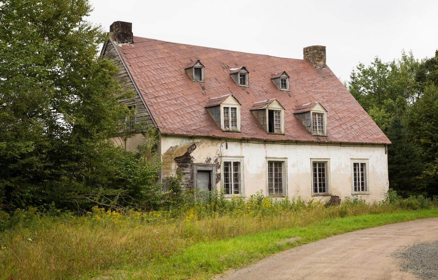 La maison construite au XIXe siècle par John Neilson à Saint-Gabriel-de-Valcartier avait suscité l'intérêt des médias en 2017 alors qu'elle était laissée à l'abandon. L'auteur du texte déplore que l'approche de sensibilisation du patrimoine au Québec passe par la consternation plutôt que par la mise en relief de sa richesse.
